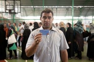 WFPs new e-card reduces Syrian refugees suffering-1